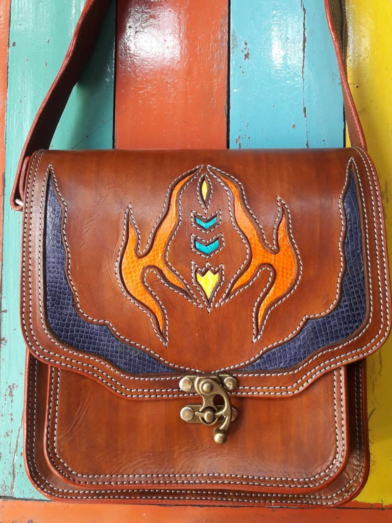 Custom handmade leather bags, purses and jewelry at Roots